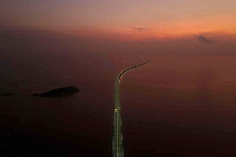 عکس روز: پل دریایی در طلوع آفتاب