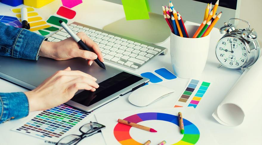 استخدام طراح گرافیست در یک شرکت معتبر
